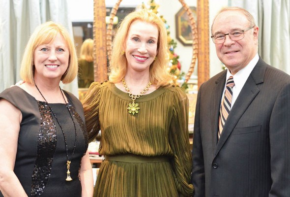 Cyndi Sites, Elizabeth Locke, Bill Sites – Ward-Potts Trunk Show