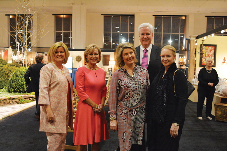 Co-Chairs Vee Vee Scott and Mindy Jacoway, the Countess of Carnarvon, Andrew and Marianne Byrd – Antiques and Garden Preview Party