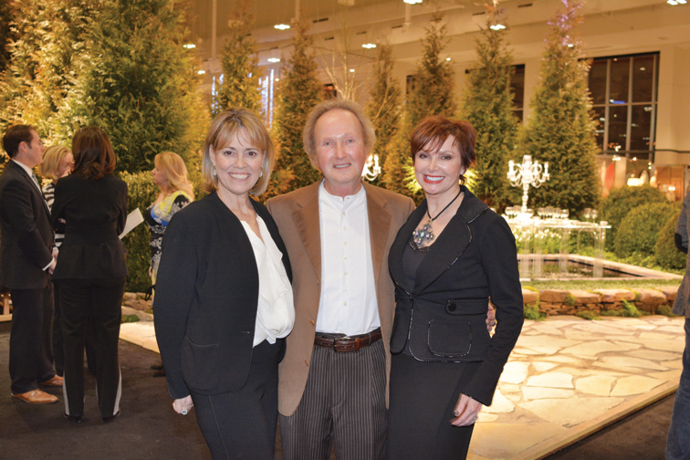 Elizabeth Akers, Larry and Sandra Lipman  – Antiques and Garden Preview Party