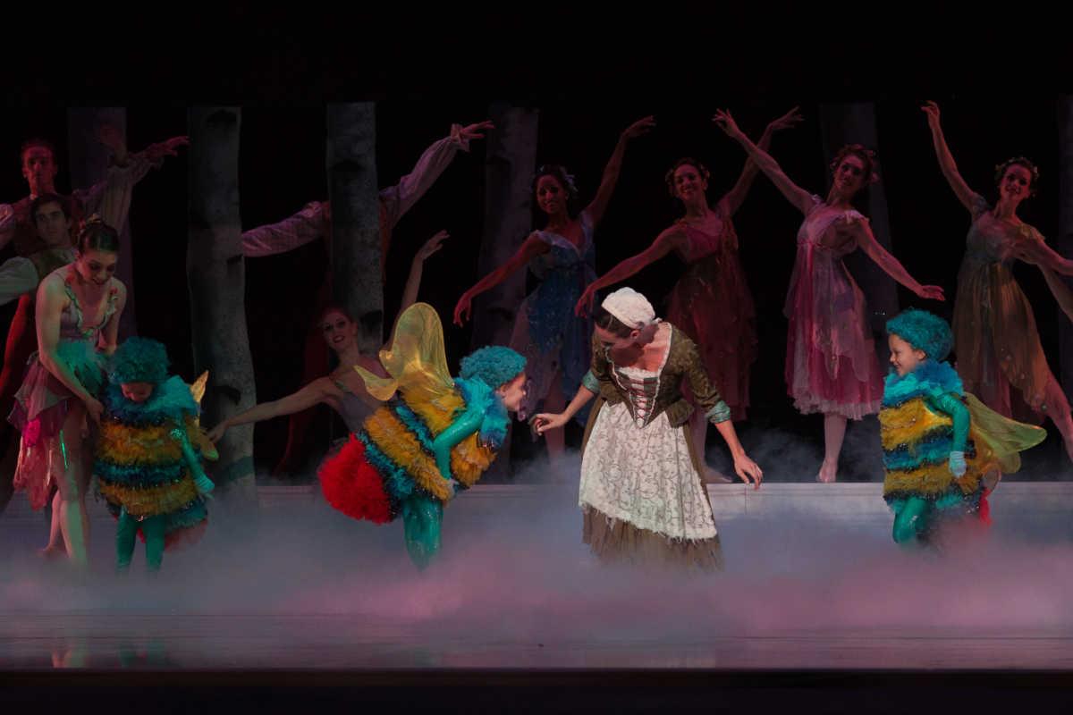 Cinderella 2011. Photo by Heather Thorne (1)