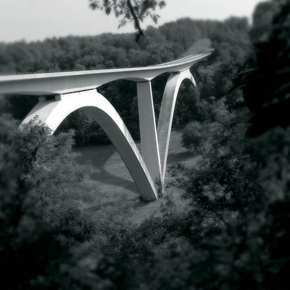 Natchez Trace Bridge. photo: Jerry Atnip