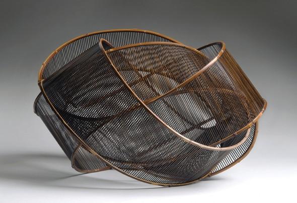 Uematsu Chikuyu,Sound of Wind, 1991. Bamboo (madake), rattan, lacquer. Photograph: © Susan Einstein