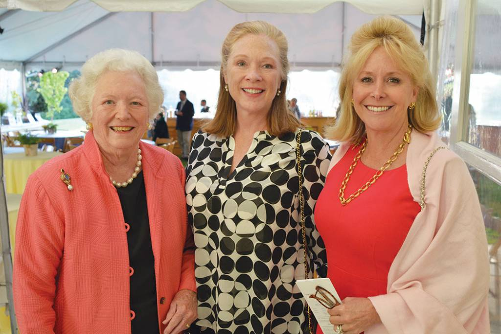 Dudley White (Queen Mother), Cayce McAlister, Lise Bohannon – Howe Wild Garden Party