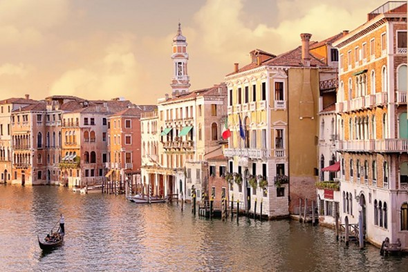 Lisa Kemmer: All of my life I have dreamed of traveling to Venice to see the Grand Canal in person, and that trip of a lifetime allowed me to be in this spot on July 9, 2015. I took this shot within the first couple of hours of arriving to this fantastic destination on the Academia Bridge. The photo of the Grand Canal in Venice, Italy was taken at ISO 400, 1/320th, & f 5.0 with a Canon 60D and EF 28-300L lens. I knew at that moment, this photograph would be enlarged and hanging on my mantel in Tennessee for many years to come.