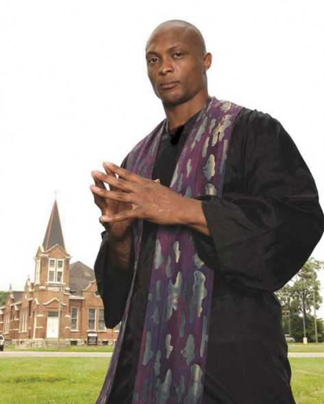 Eddie George in The Whipping Man. Photograph by Robert L. Poole