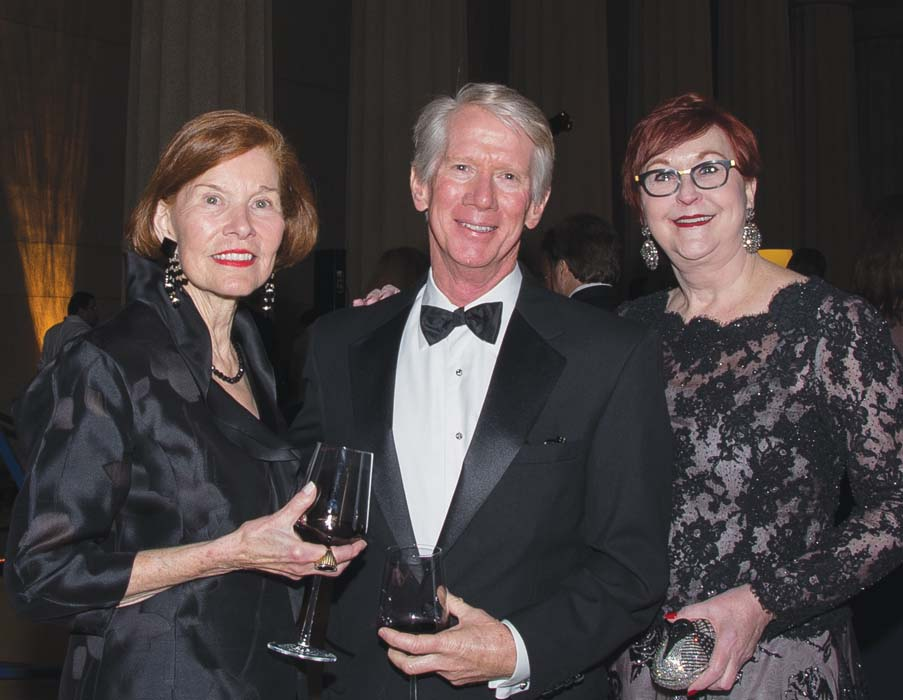 Eleanor Willis, Butch Baxter, Conservancy Chairman Hope Stringer