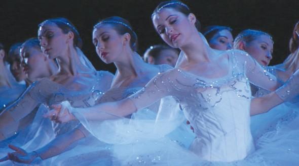 American Ballet Theatre's corps de ballet inLa Bayadere. Courtesy of Buddy Squires