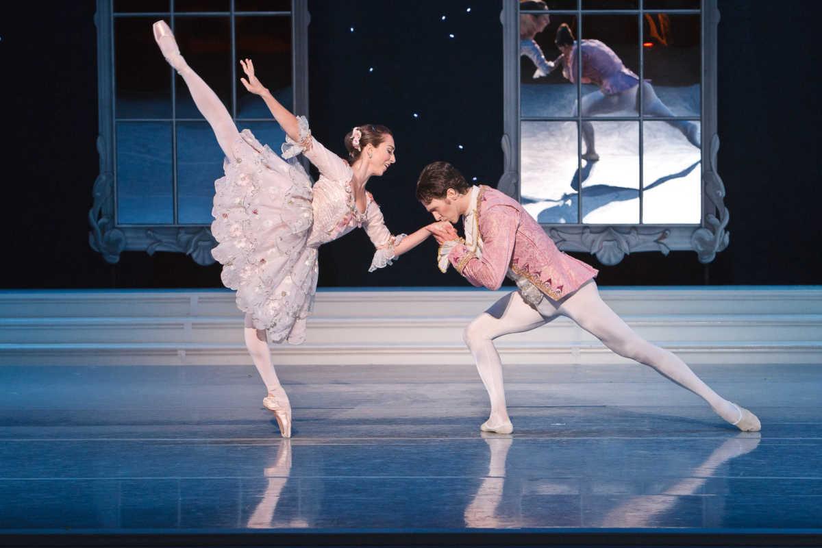 Cinderella 2011. Photo by Heather Thorne (2)